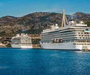 Cruise ships docked in Dubrovnik